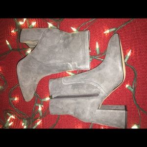 """NWT Steve Madden """"Jacque"""" suede booties"""